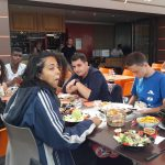 Repas en terrasse à Etretat